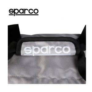 Sparco S6 Grey Travel Bag Picture13: Sparco S6 is a medium-size gym or travel bag with an adjustable and removable shoulder strap with a padded insert, two handles and more. The compact lightweight design has enough room to store your essentials featuring two handles, removable and adjustable shoulder strap with Sparco printed logo.