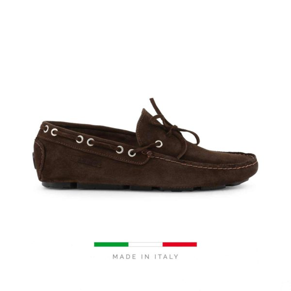 Sparco Magny-Cours-GP1 Brown Shoes Moccasins in Suede Picture1: Designed for ultimate comfort and style, Sparco Magny-Cours-GP1 Brown Moccasins is what you'd want to drive around the city with or for touring. The rubber sole is so flexible and continues up the heel's back to provide a smooth and stable pivoting point. This loafer can be paired easily with matching clothes to give you the casual and smart look you're after while maintaining your comfort level for the long haul.
