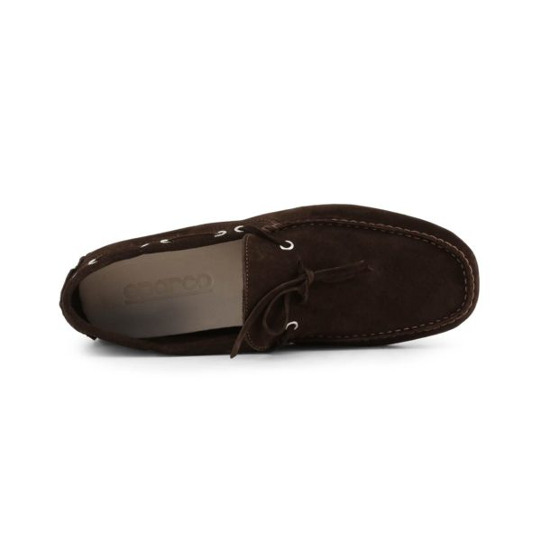 Sparco Magny-Cours-GP1 Brown Shoes Moccasins in Suede Picture4: Designed for ultimate comfort and style, Sparco Magny-Cours-GP1 Brown Moccasins is what you'd want to drive around the city with or for touring. The rubber sole is so flexible and continues up the heel's back to provide a smooth and stable pivoting point. This loafer can be paired easily with matching clothes to give you the casual and smart look you're after while maintaining your comfort level for the long haul.