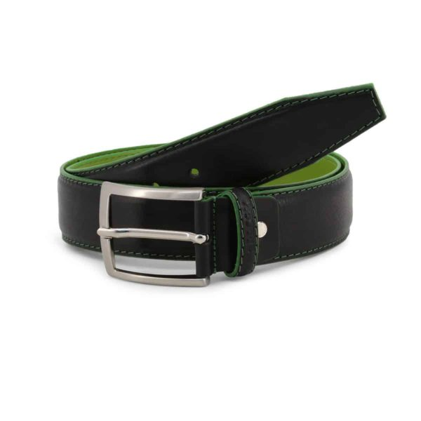 Sparco Woking Black Belt in Leather Picture1: Sparco Woking Black Belt in Leather marked with Sparco logo. Brilliant for casual outings and perfect companion as you go about your busy life or during sports and racing events.