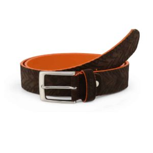 Sparco Maranello Brown Belt in Suede Picture2: Sparco Maranello Brown Belt in Suede marked with Sparco logo. Brilliant for casual outings and perfect companion as you go about your busy life or during sports and racing events.