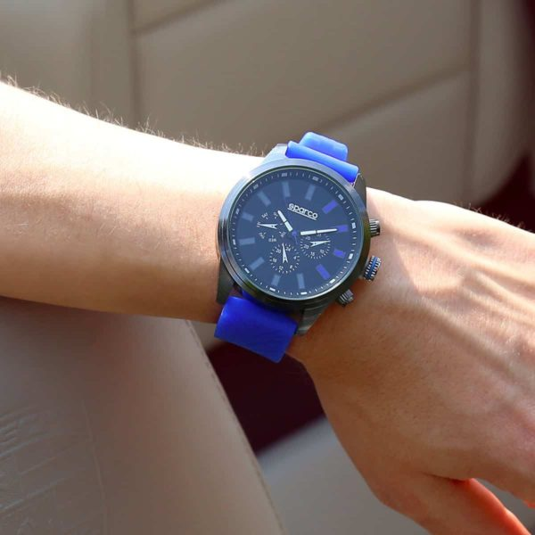 Sparco Niki Blue Watch Picture2: The sporty Niki watch from Sparco accompanies you in your everyday life by providing an inimitable racing touch to your look. This model from Sparco is designed to complement differing outfits from sportswear to casual wear. The sporty design with a durable blue strap is sure to impress.